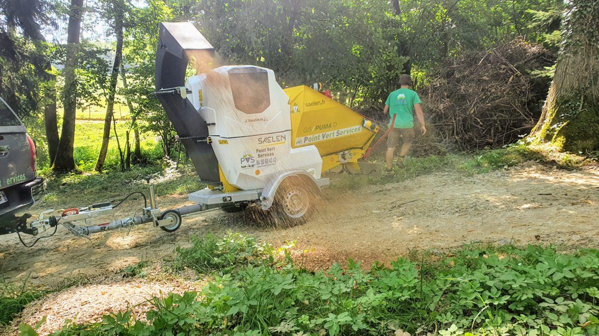 Broyage à domicile : un nouveau service gratuit pour recycler ses branches dans son jardin