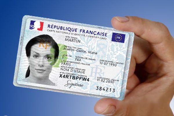 Remise de carte d'identité retardée